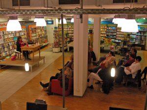 """Brigitte Riebe stellt ihren Roman """"Die Hüterin der Quelle"""" vor"""