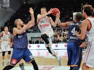 Beko BBL: Brose Baskets vs. Eisbären Bremerhaven