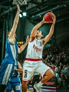 easyCredit BBL 17/18 - 9. Spieltag: Brose Bamberg vs. Fraport Skyliners