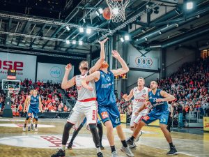 easyCredit BBL 17/18 - 4. Spieltag: Brose Bamberg vs. Eisbären Bremerhaven
