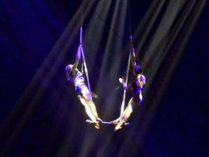 Feuerwerk-der-Turnkunst-Aura