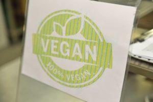 Verschiedene Bedürfnisse werden dabei berücksichtigt, wie Speisen für Allergiker oder mit rein veganen Zutaten.