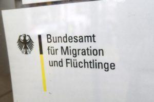 Auch das Bundesamt für Migration und Flüchtlinge (BAMF) ist vor Ort vertreten.