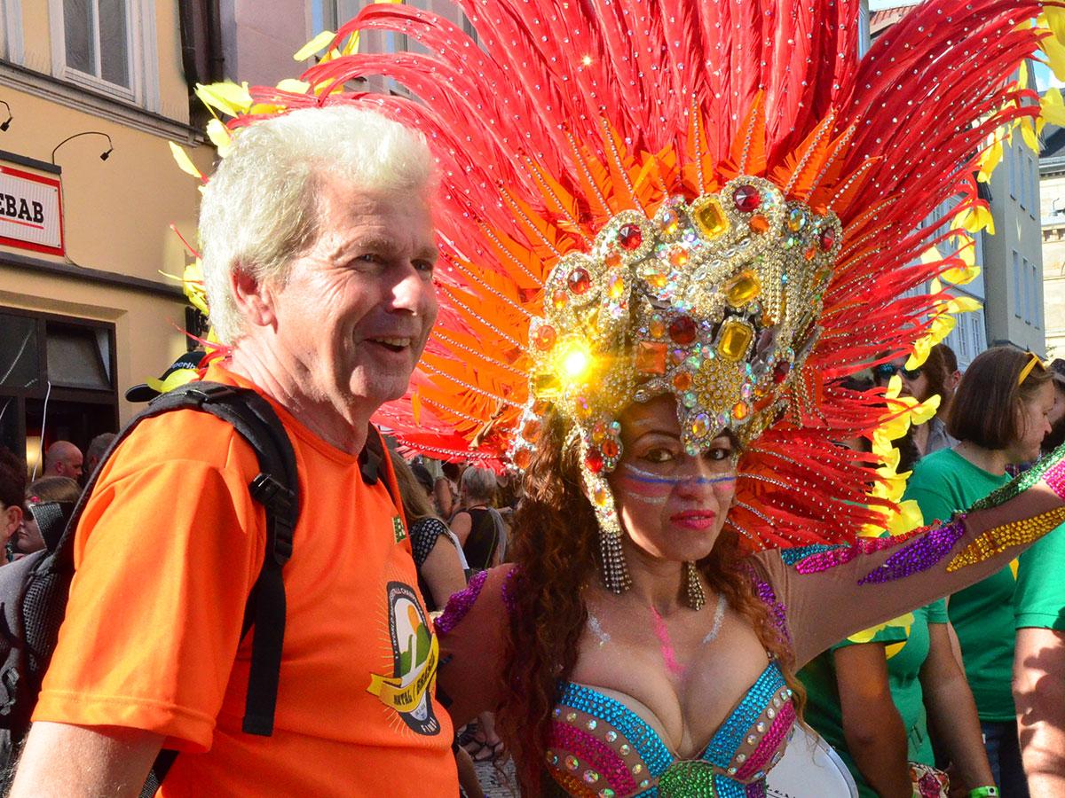 Samba-Festival lockt wieder über 200.000 Samba- Fans nach