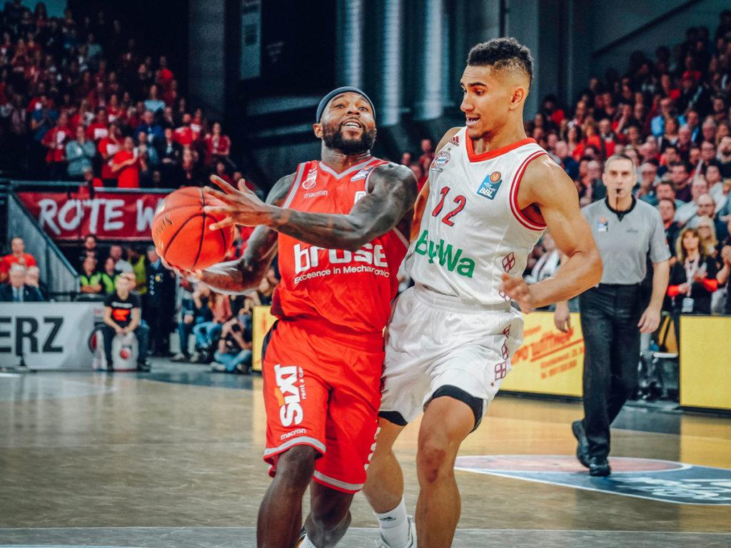 easyCredit BBL 18/19 - 13. Spieltag: Brose Bamberg vs. FC Bayern München Basketball