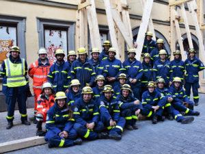 Dank an THW Bamberg - Bürgermeister Lange informiert sich und spendiert Leberkäs