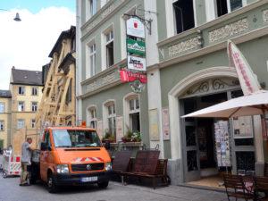 Wegen Einsturzgefahr: Sperrung des Gaststätten-Innenhofs vom Stilbruch