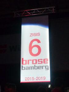 Brose Bamberg ehrt Nikos Zisis
