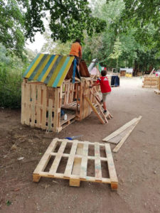 Hüttenstadt beim Bamberger Spielmobil