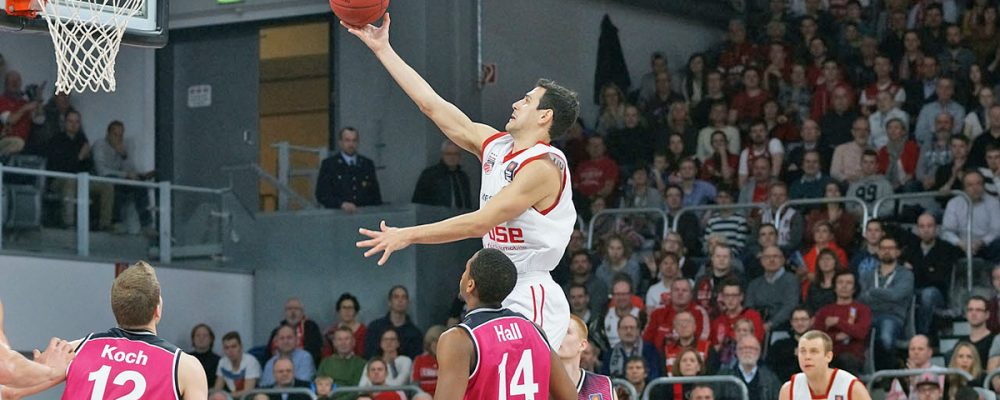 Brose Baskets siegen ungefährdet gegen Bonn