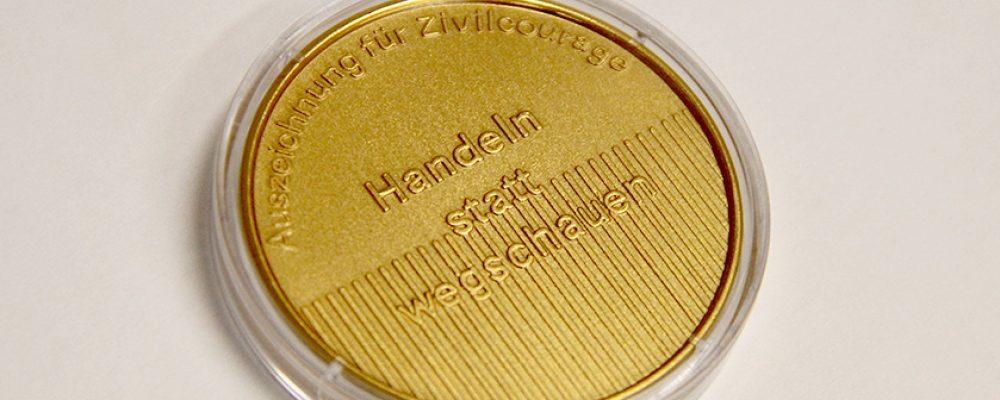 """Auszeichnung für Zivilcourage """"Handeln statt Wegschauen"""" – Preisträger 2019 gesucht"""