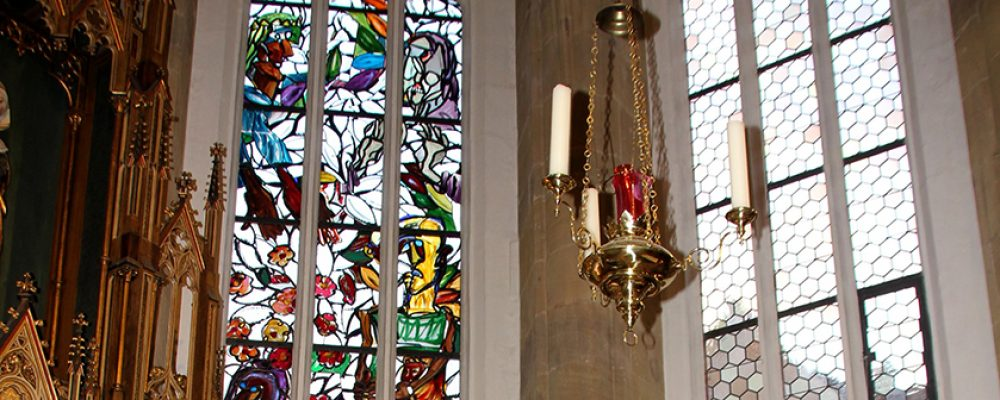 Gute Neuigkeiten für St. Elisabeth im Sand und für Bamberg – sechstes Lüpertz-Fenster finanziert