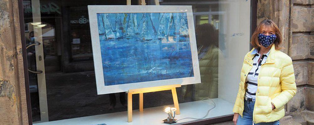 """""""Dynamik in Blau"""" ziert das Kunstfenster"""