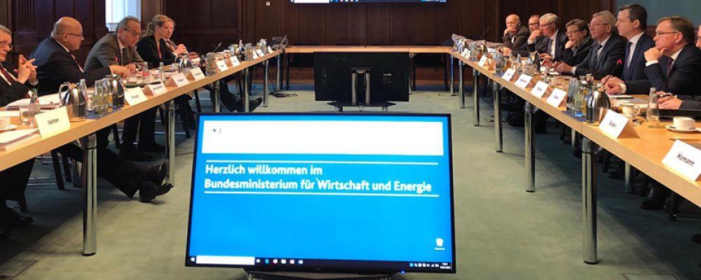 """""""Bamberger Runde"""" in Berlin: Aktuelle Lage der Automobilzuliefererindustrie"""