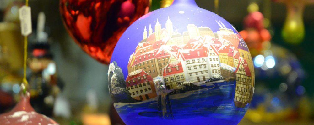 Feierlich wurde am Donnerstagabend der Weihnachtsmarkt im Beisein des Christkindes eröffnet