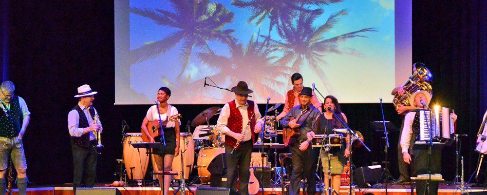 Die CubaBoarischen gastierten am Freitag im Kongresshaus Rosengarten in Coburg
