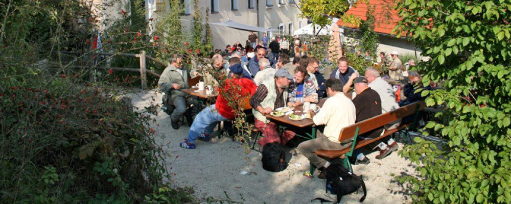 Die schönsten 600 Biergärten fürs Handy: www.bierstrasse-franken.de