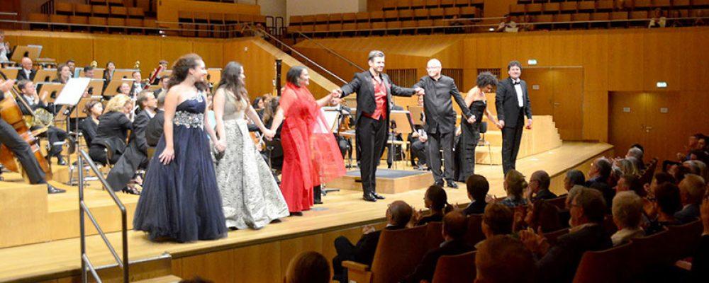 """Junge Stimmen am Opernhimmel"": Grandiose Rückkehr der Sommer Oper Bamberg"