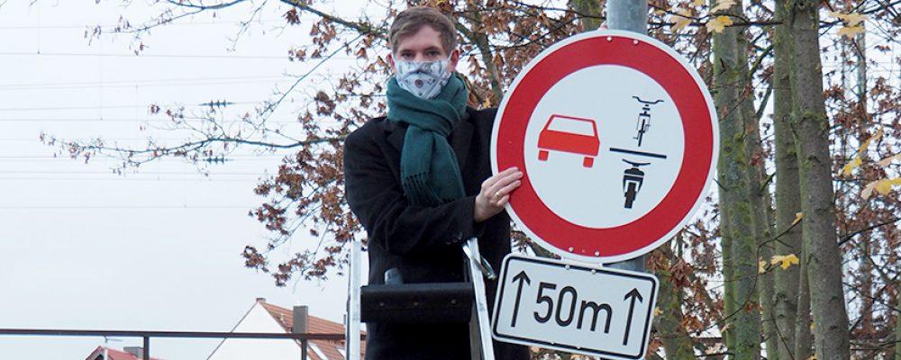 Zweirad-Überholverbot an Unterführung Moosstraße