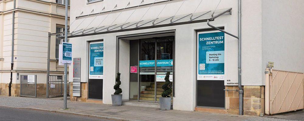 Corona Service Center bietet weiterhin Schnelltests und Impfungen an